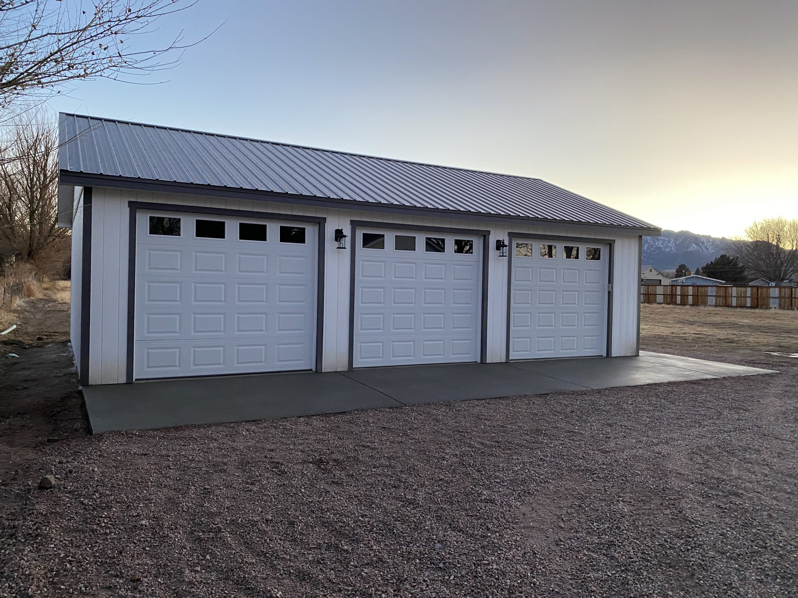 Storage Sheds Delivered or Built Onsite? 13