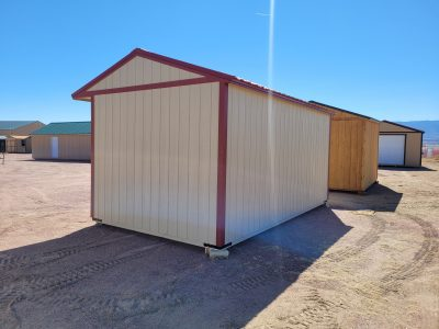 10x18 Loafing Shed w/Tackroom 14